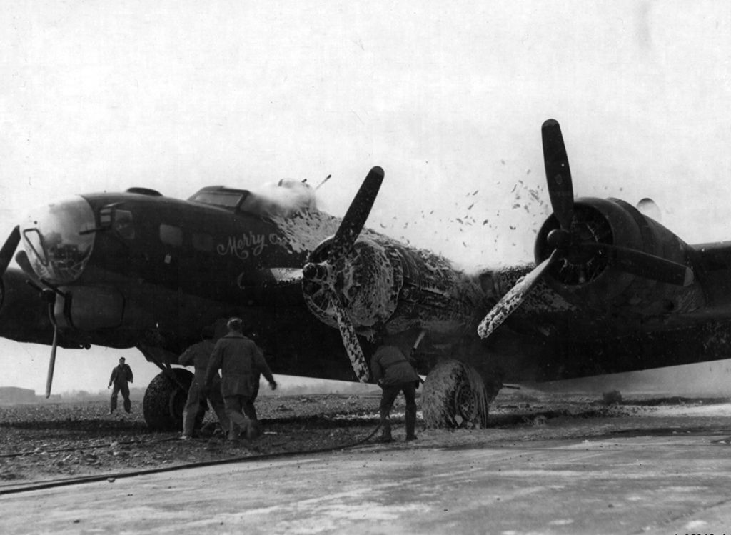 B-17G #42-31350 / Merry On caught fire