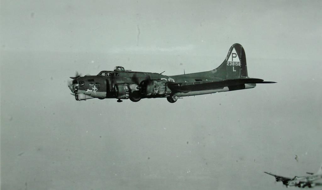 B-17 #42-38158 / Jean