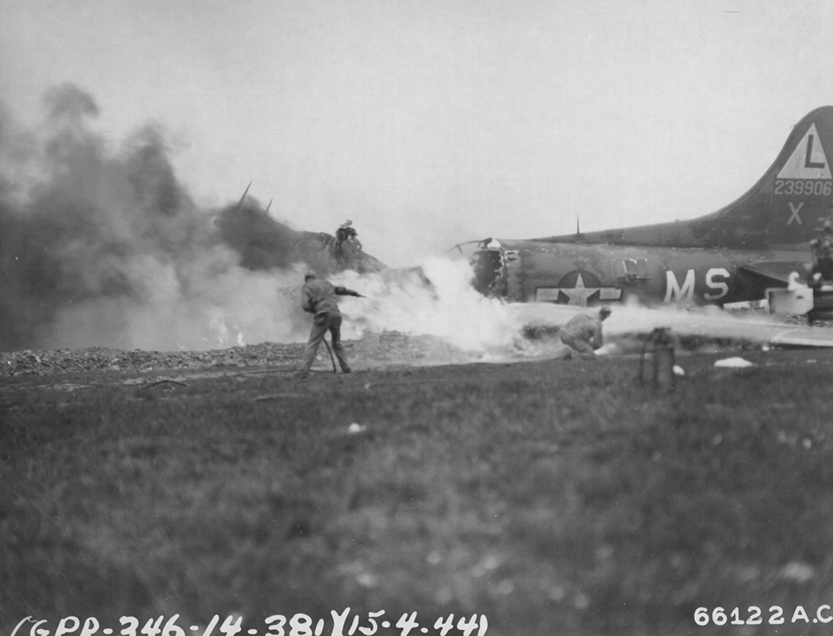 B-17 #42-39906 / Squat n' Droppit