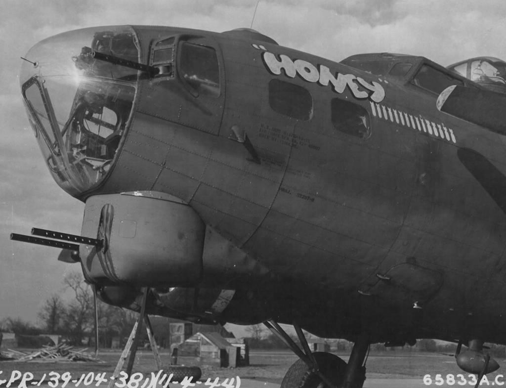 """B-17 #42-40007 / """"Honey"""""""