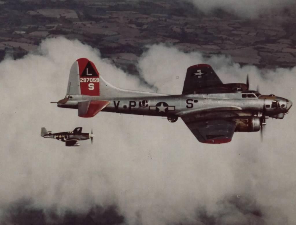 B-17 #42-97059 / Marsha Sue