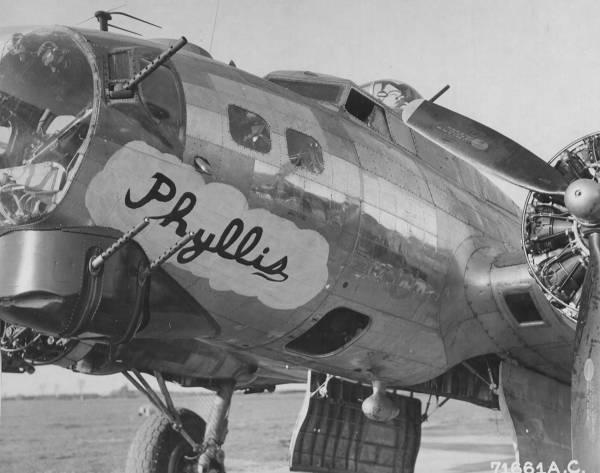 B-17 #42-97825 / Phyllis