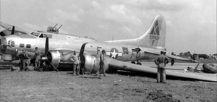 Boeing B-17 #43-37622 / Phyllis