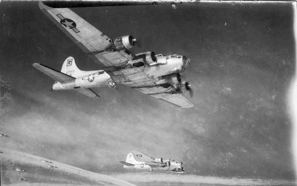 B-17 #43-37919 / Rio Tinto