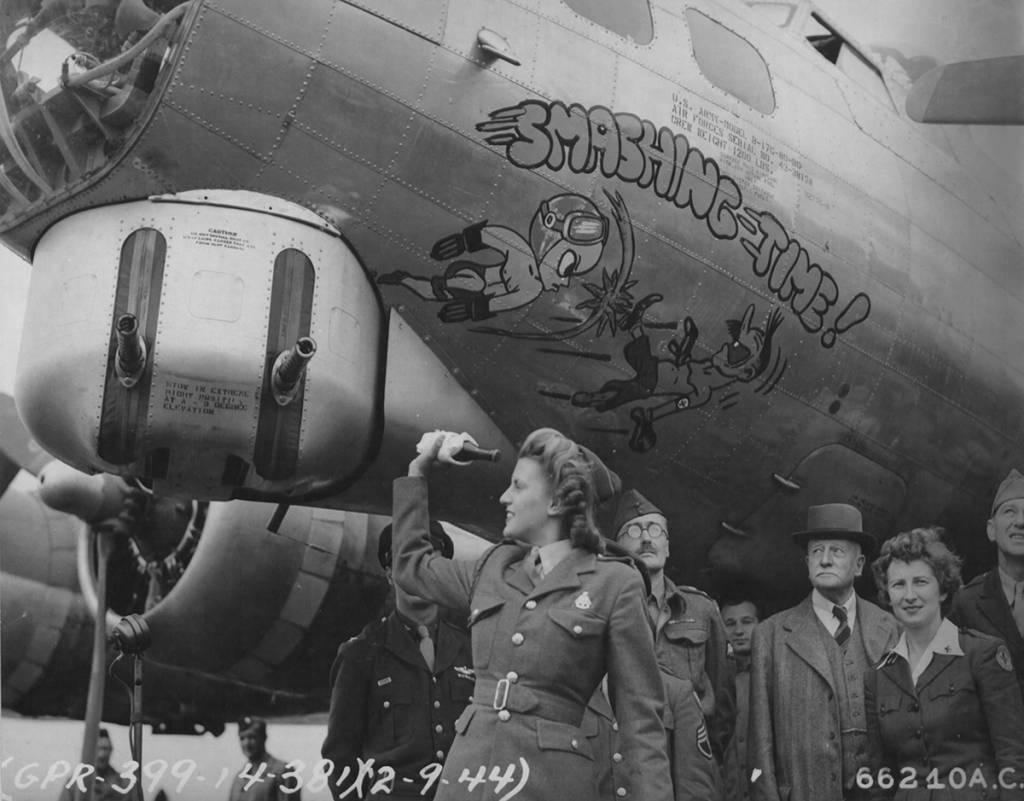 B-17 #43-38158 / Smashing Time!