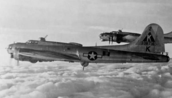 B-17 #43-38716 / Miss Anoxia