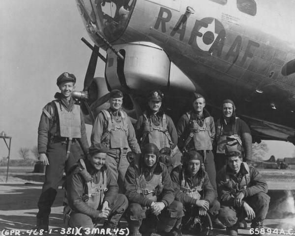 B-17 #44-6883 / RAFAAF
