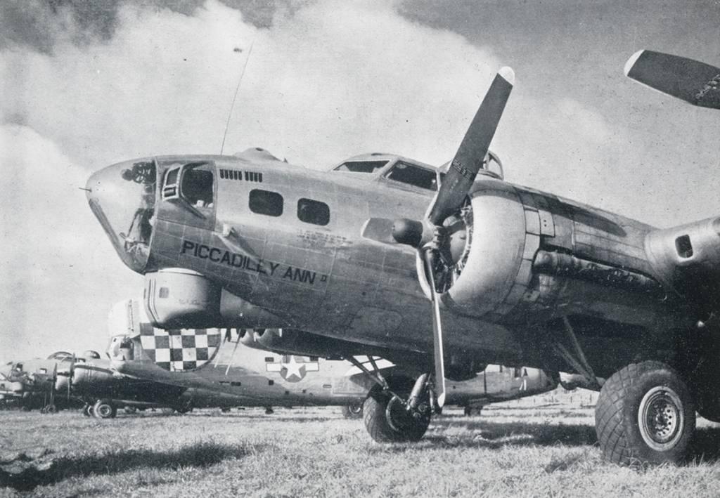 B-17 #42-102651 / Picadilly Ann II