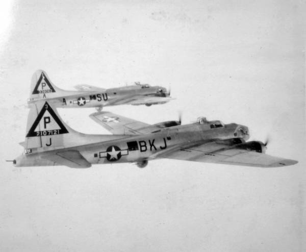 B-17 #42-107121 / Kentucky Colonel aka Helena II