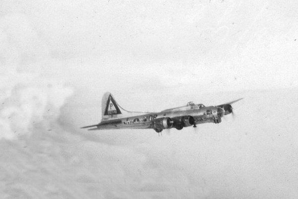 B-17 #42-107148 / Dark Angel