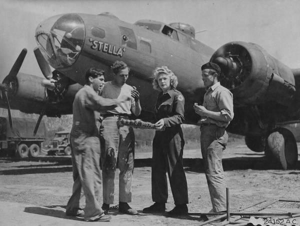 B-17 #42-29651 / Stella