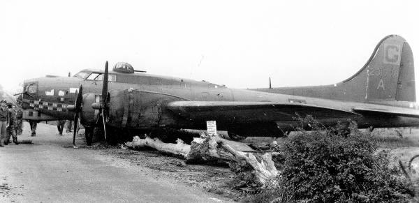 B-17 #42-31778 / Wells Cargo