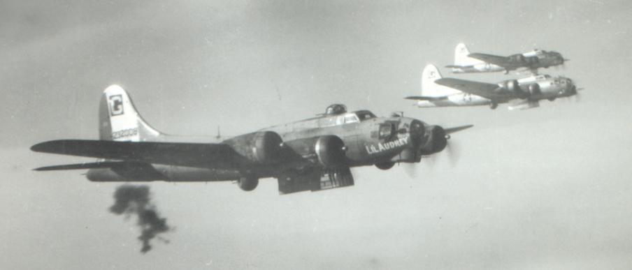 B-17 #42-32008 / Li'l Audrey