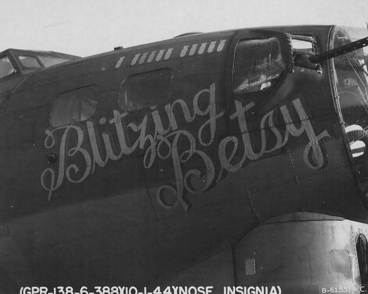 B-17 #42-37886 / Blitzing Betsy
