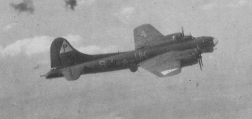 Boeing B-17 #42-37982 / Tremblin' Gremlin'