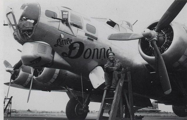 B-17 #42-97098 / Fortress Nine aka Little Donna