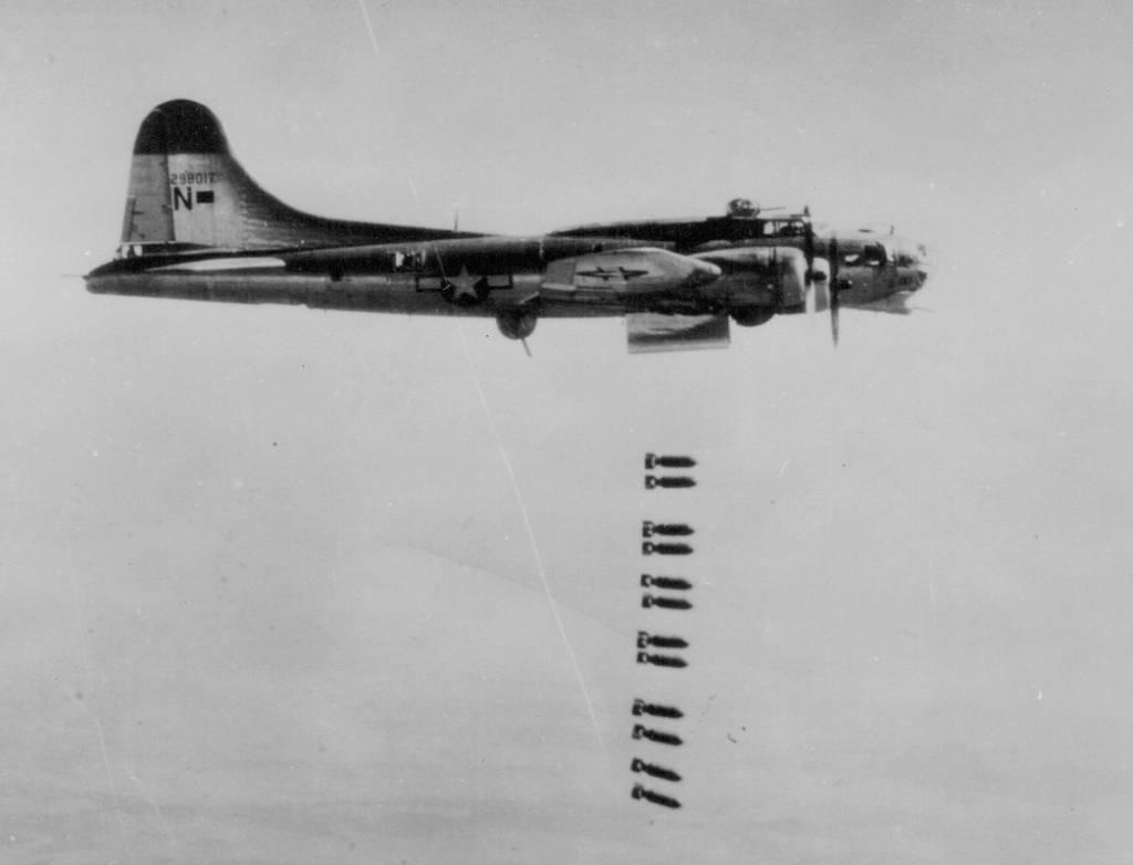 B-17 #42-98017 / All Er' Nothin'