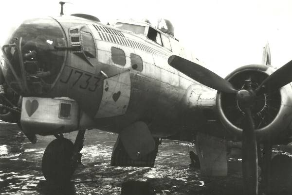 B-17 #43-37733 / Ace of Hearts