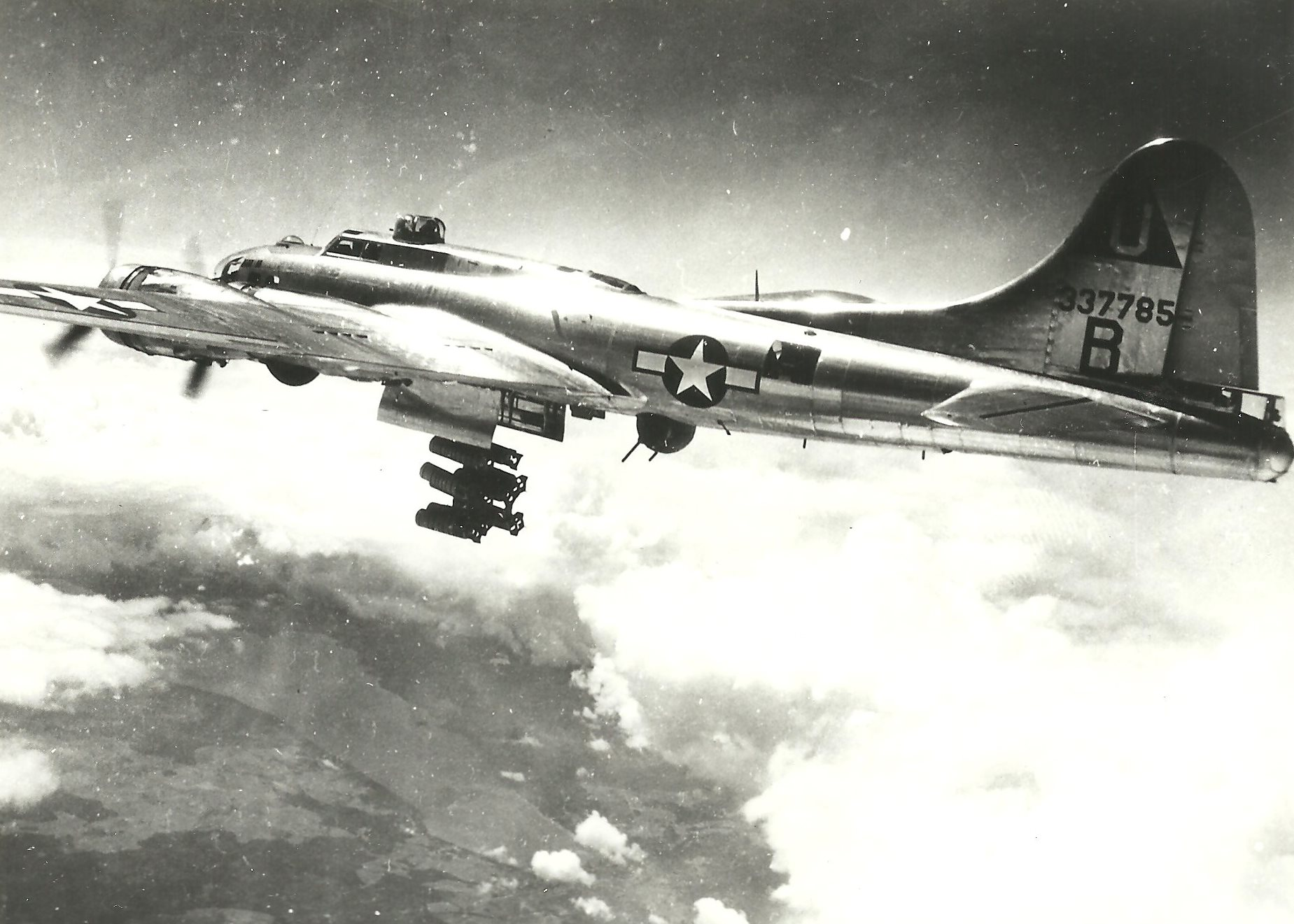 B-17 #43-37785 / Tarfu