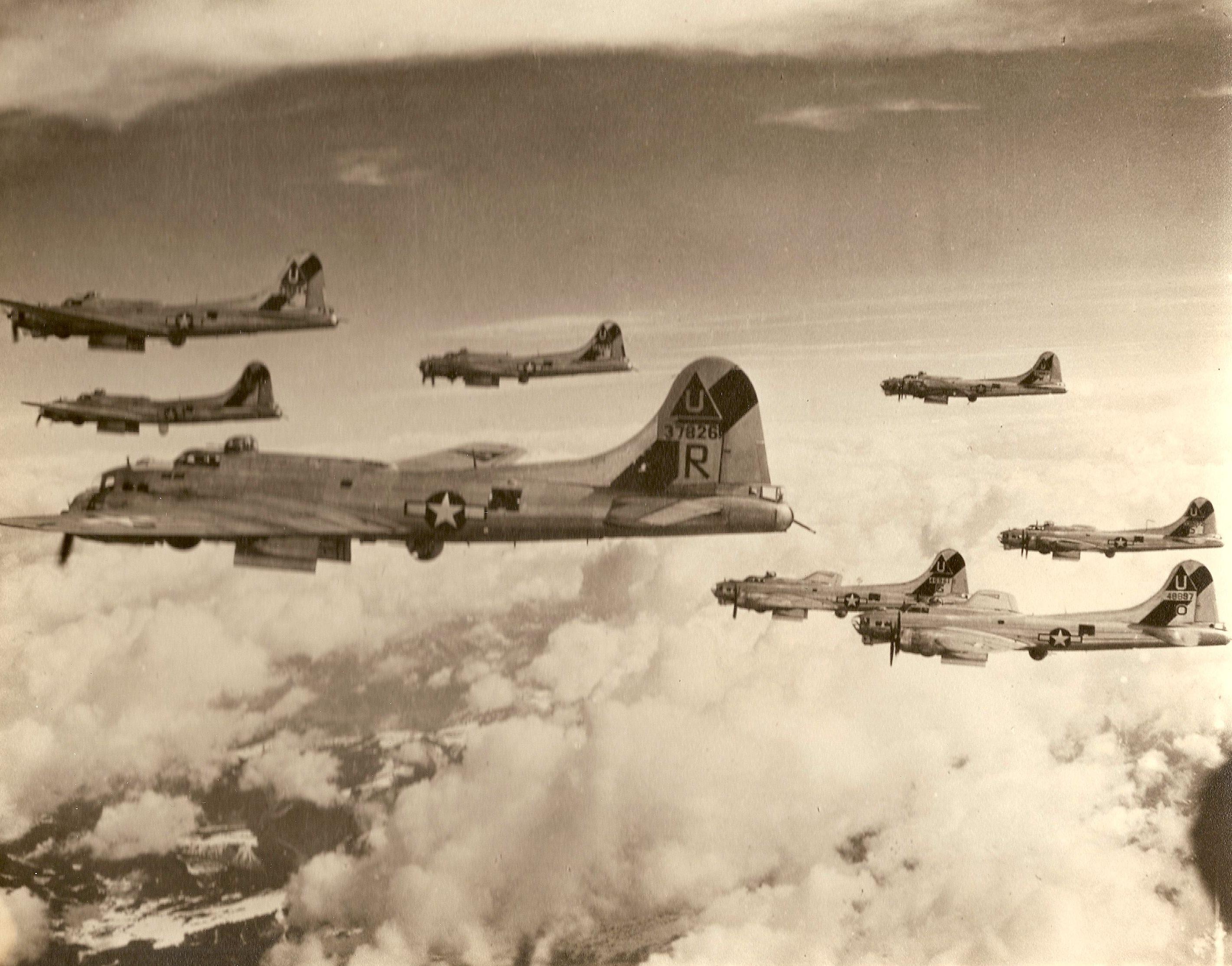 B-17 #43-37826 / Wild Hare