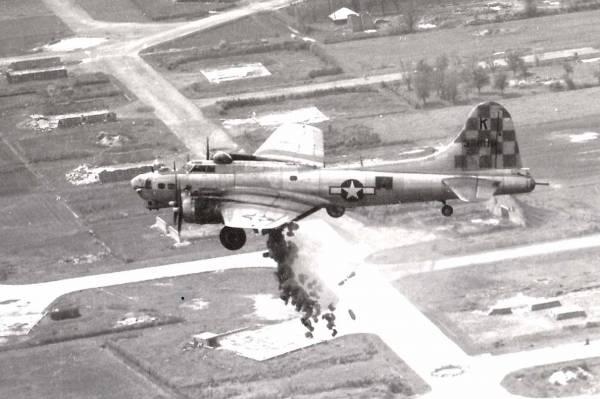 B-17 #43-38118 / Miss Fortune