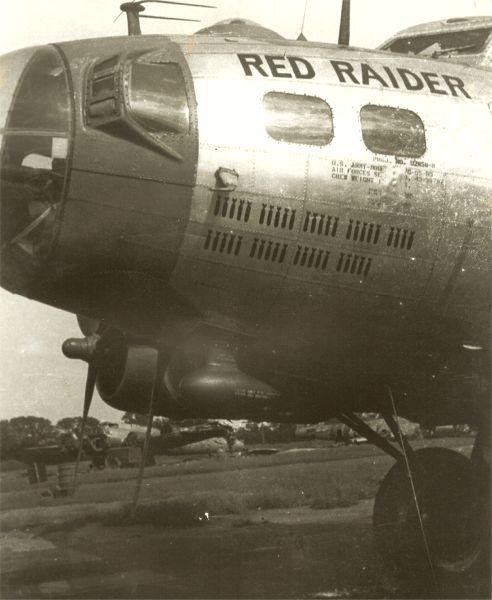 B-17 #43-38787 / Red Raider
