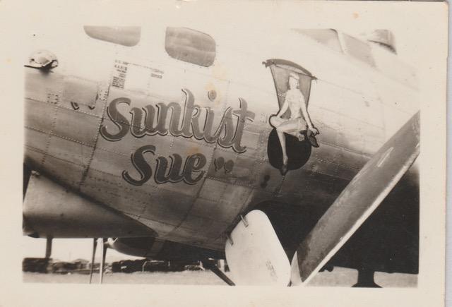 B-17 #44-6293 / Peggy aka Sunkist Sue