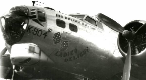 B-17 #44-6904 / Ladies Delight