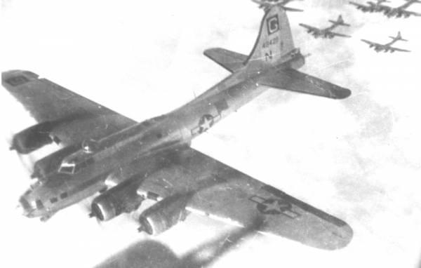 B-17 #44-8428 / Mac's Hack