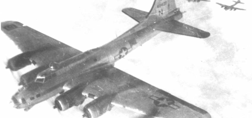 Boeing B-17 #44-8428 / Mac's Hack