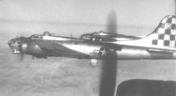 B-17 #44-8472