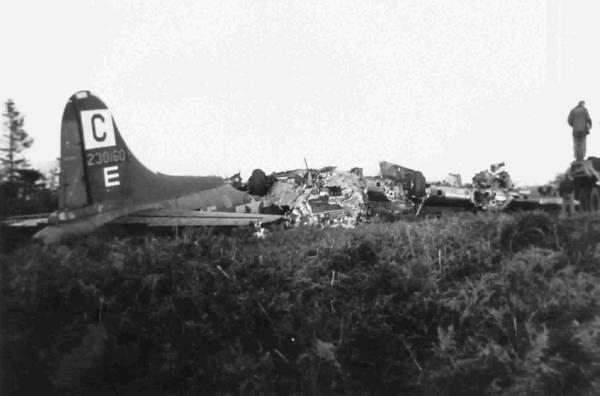 B-17 #42-30160 / Dottie J. II