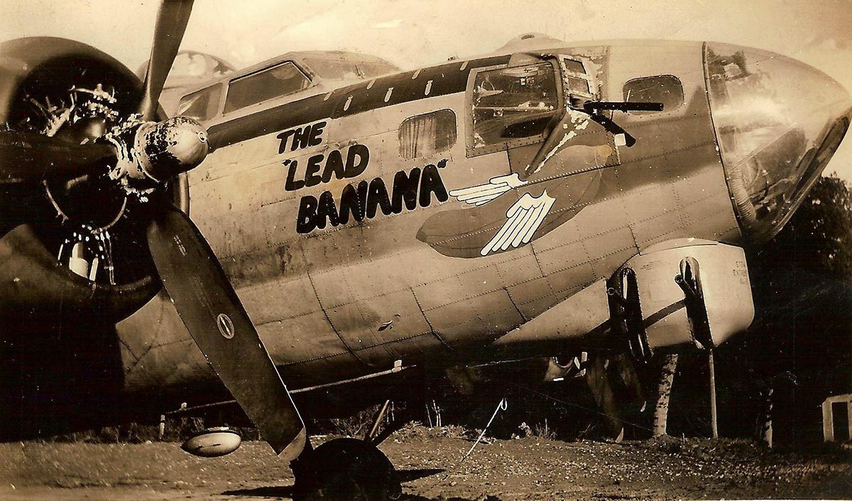 B-17 #42-37822 / The Lead Banana