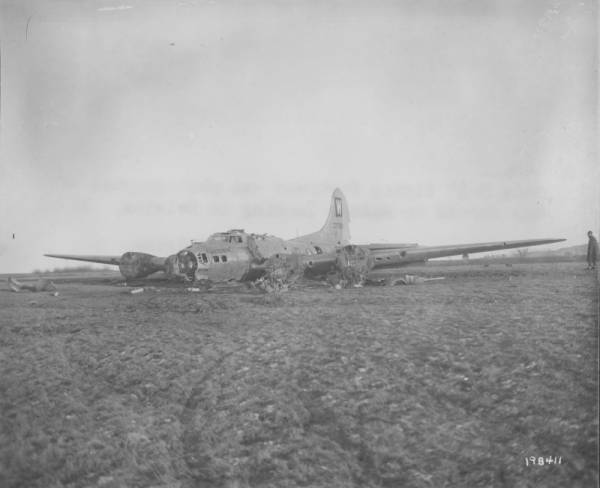B-17 #43-37908 / Wolfel Bear