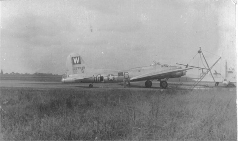 B-17 #43-37949 / Nobody Getzit