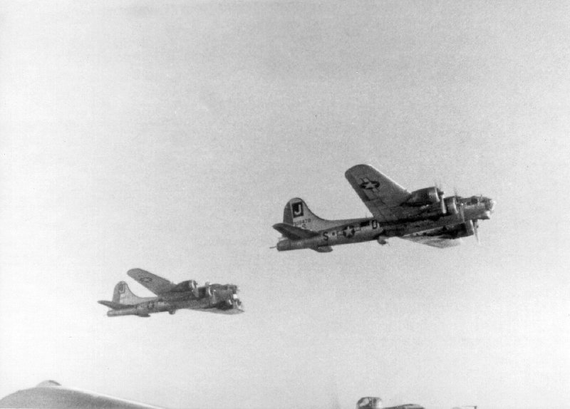 B-17 #43-38478 / Hotter N' Hell