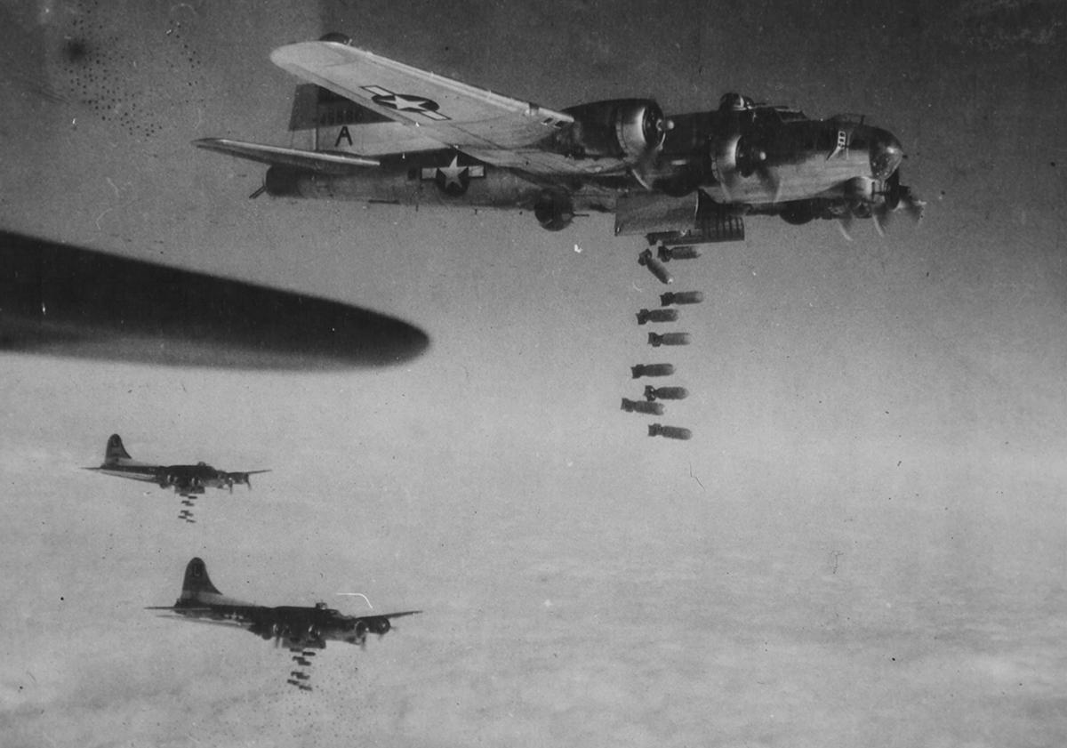 B-17 #44-6560 / Puddin's Pride aka Pappy's Price