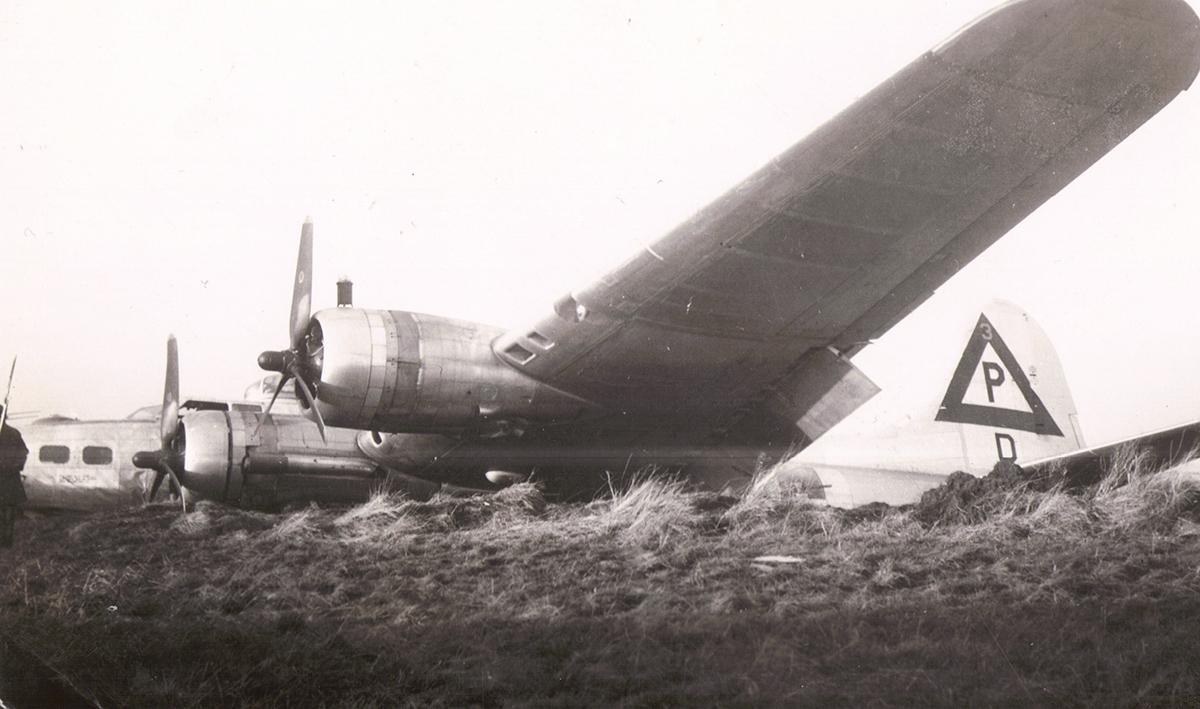 B-17 #44-8421