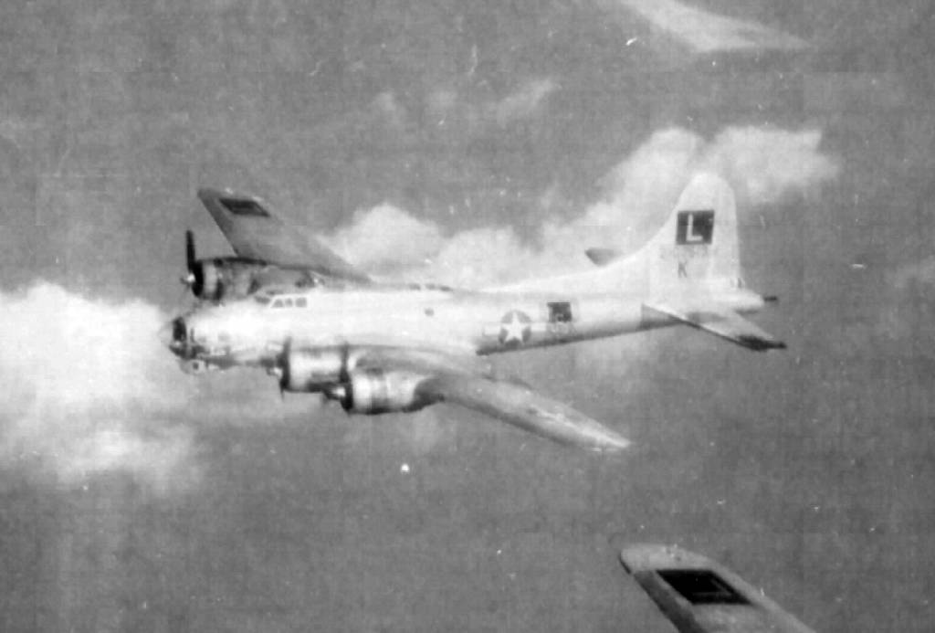 B-17 #42-102513 / Swing Shift Baby