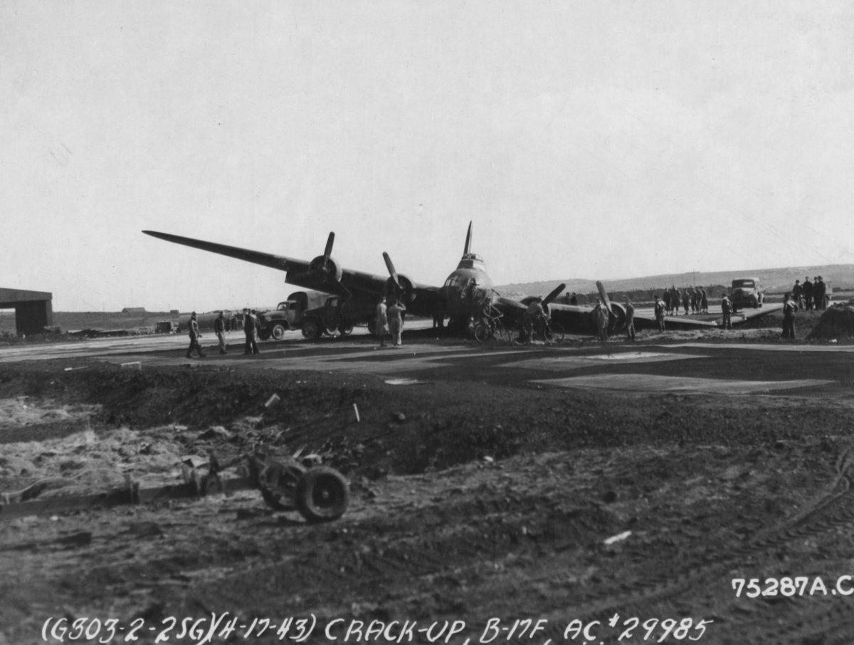 B-17 #42-29985 / Barrel House Bessie aka Kathleen