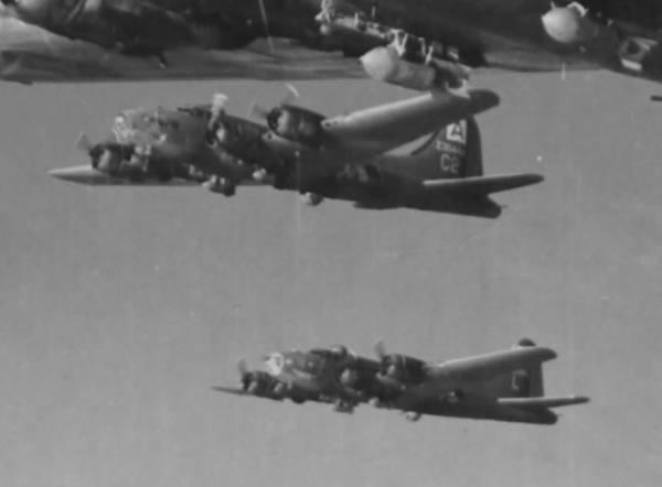 B-17 #42-30444 / Ramrod Ramsbottom aka Black Jack IV