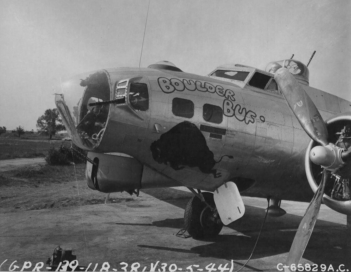 B-17 #42-32060 / Boulder Buf