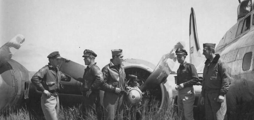 Boeing B-17 #43-37523 / Holy Smokes