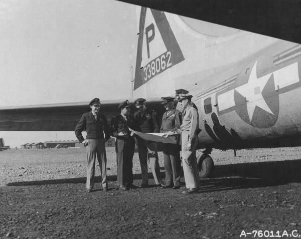 B-17 #43-38062 / Pleasure Bent