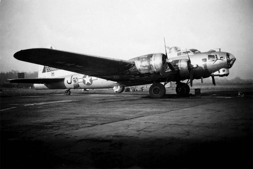 B-17 #43-38823