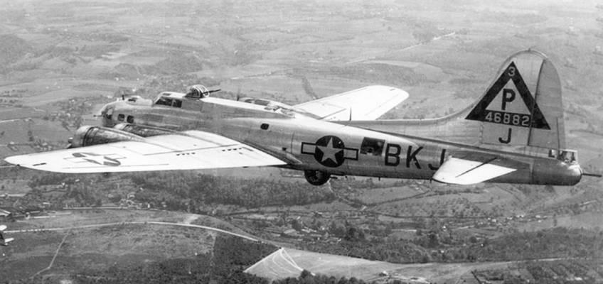 Boeing B-17 #44-6882 / Boomerang