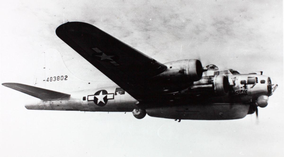 B-17 #44-83802 / Pacific Tramp