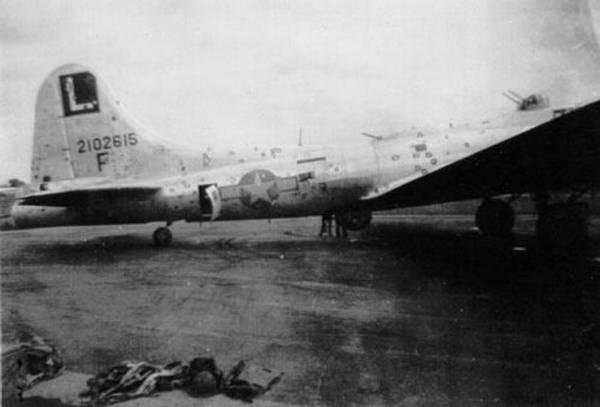 B-17 #42-102615 / Forbidden Fruit II