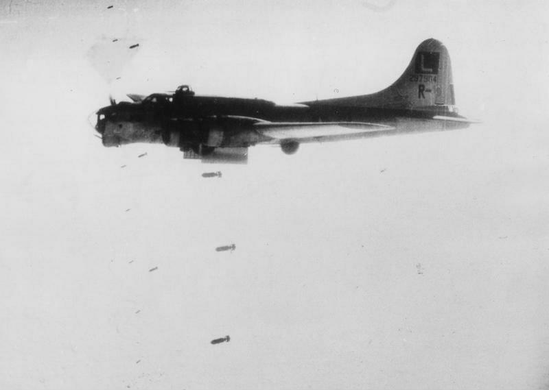 B-17 #42-97904 / Lady Jeannette