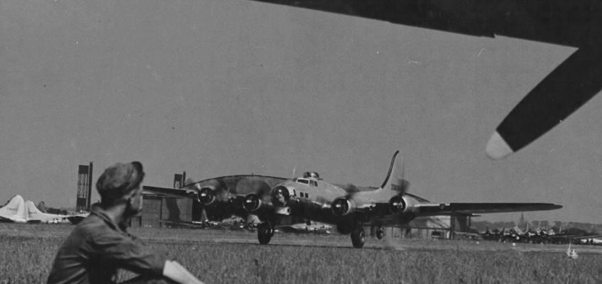 Boeing B-17 #43-38054 / Lil Edie